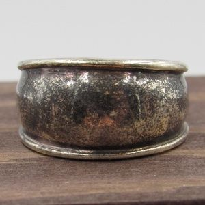 Size 7 Sterling Silver Heavily Tarnished Band Ring
